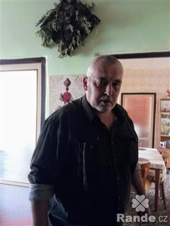 Mu 39 let, On hled ji, Praha- sacicrm.info